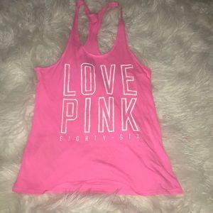 Vs pink tank